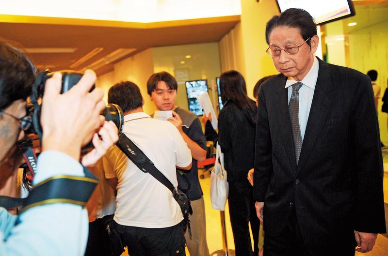 中國文化大學董事長張鏡湖不滿校長選舉結果,頻出怪招阻止新校長如期上任。(中央社)