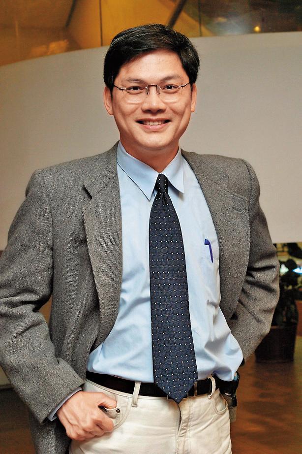 文化大學校長選舉結果由台科大特聘教授盧希鵬以8:0壓倒性票數勝出,如今卻因老董卡關,恐難在2月1日上任。(翻攝台灣科技大學官網)
