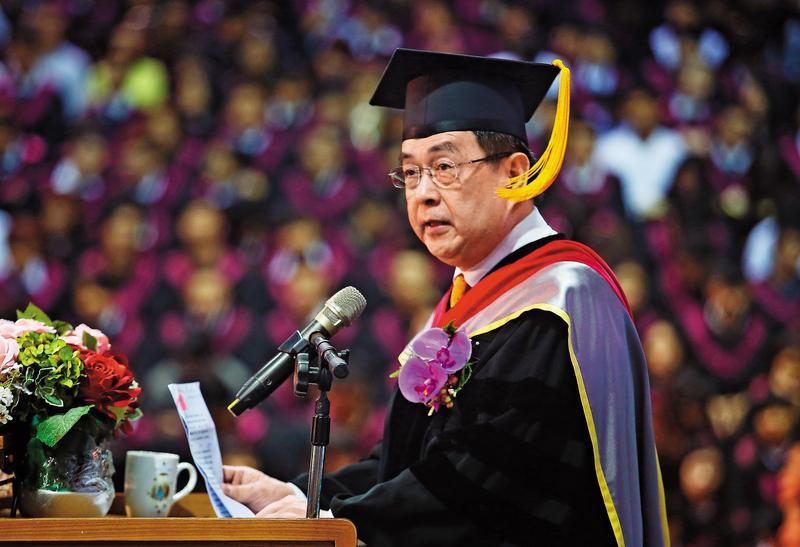 文化大學現任校長李天任是文大第4、第5及第7任校長,多年來頗受張鏡湖器重。(中央社)