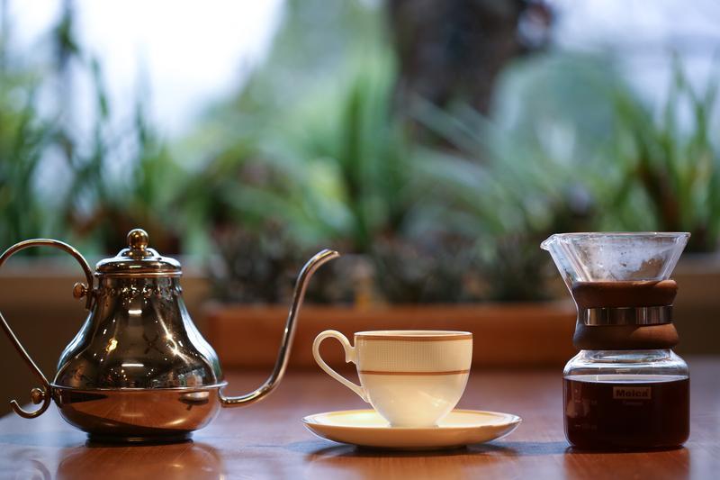 「嵐卡咖啡」以自家咖啡豆手沖的「望鄉咖啡」。(120元/杯)