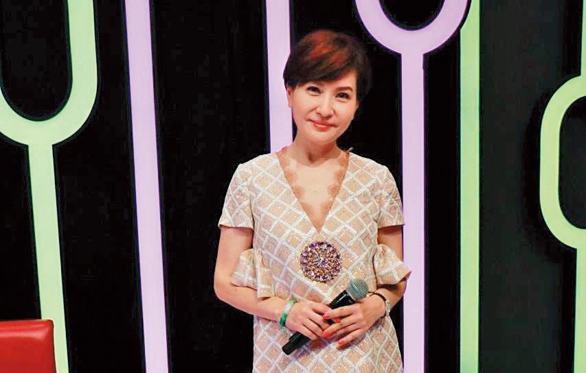 女星方芳芳嫁給連鎖麵包店總裁,移居上海當貴婦,美麗容顏不老。