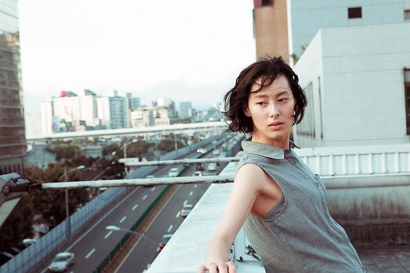 才29歲的梁洛施與香港首富李嘉誠之子李澤楷交往並生下3子,最後未能成首富媳。