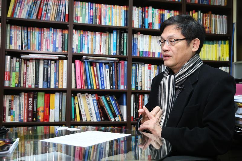 文大準校長盧希鵬接受本刊專訪,暢談未來的治校理念。