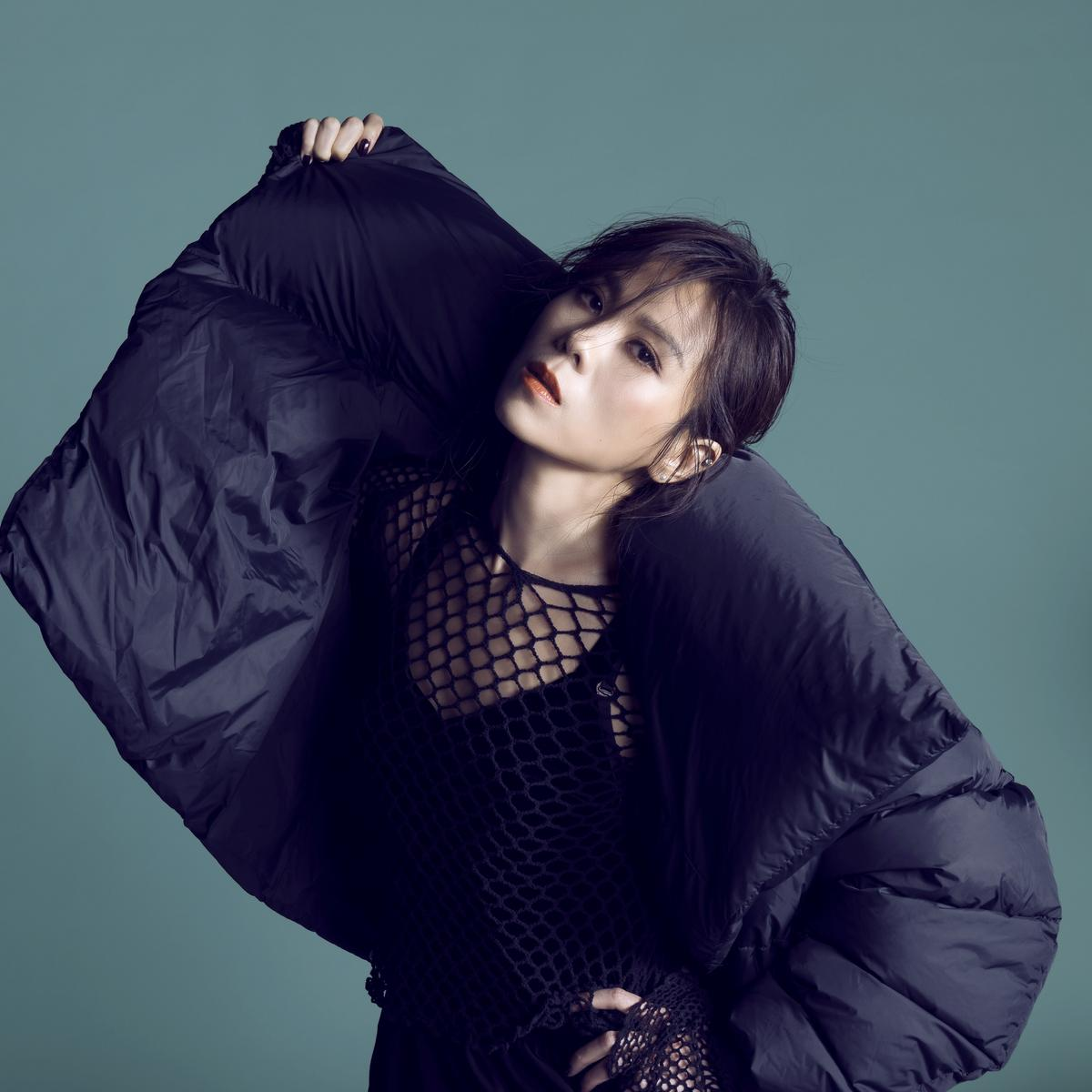 蔡健雅剛結束小巨蛋演唱會,推出新作重新詮釋寫給其他歌手的作品。(環球提供)