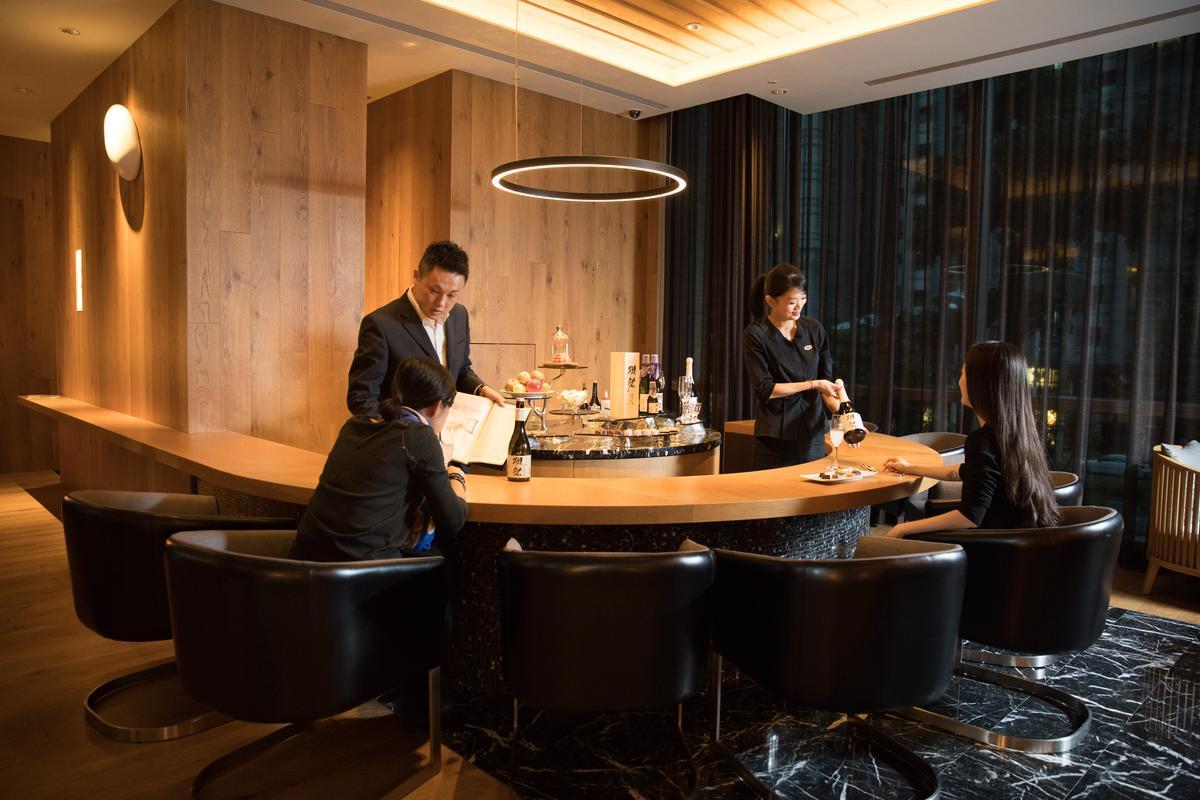 位在高雄「晶英國際行館」的「獺祭酒吧」,是日本名酒「獺祭」首家海外酒吧。