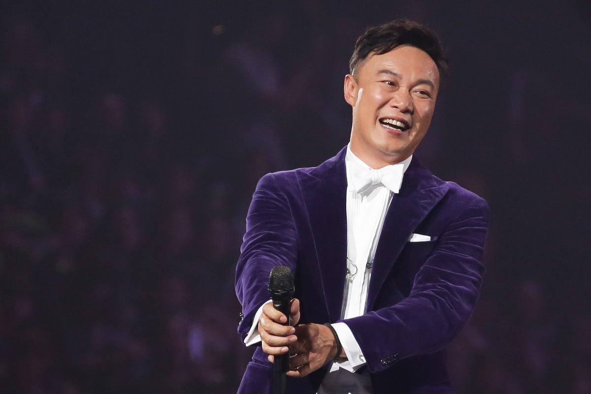 香港歌王陳奕迅也來到頒獎典禮現場。