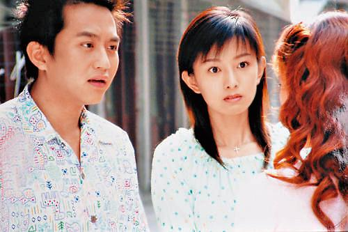 後藤希美子(右)作品不多,淡出演藝圈的最後一部戲劇是與鄧超(左)合作的《浪漫的西街》。
