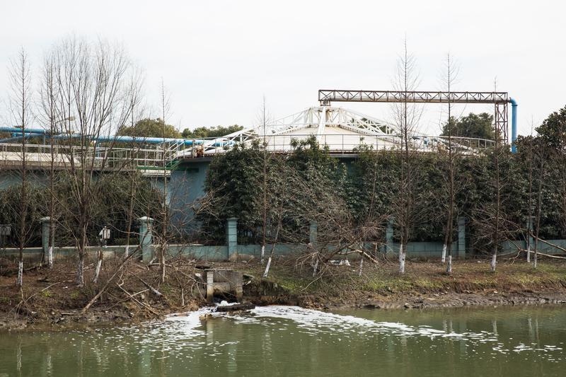 昆山台商指出,廠商是把廢水排到汙水處理廠,現在廠商排放均達標準,廢水處理廠的排放達標了嗎?裡面恐怕有不為人知的內幕!