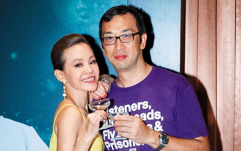 彭佳慧與老公王丕仁過去常在臉書曬恩愛,2年前她辦演唱會,王丕仁還到場力挺。(翻攝自彭佳慧臉書)
