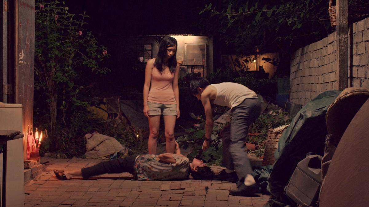 《藍天白雲》劇情改編自女學生偕同同學殺害雙親的真實案件。(双喜提供)