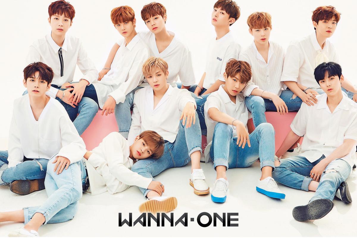 《PRODUCE 101》去年選出的期間限定男團Wanna One,所到之處都引起粉絲瘋狂追逐。(華納唱片提供)