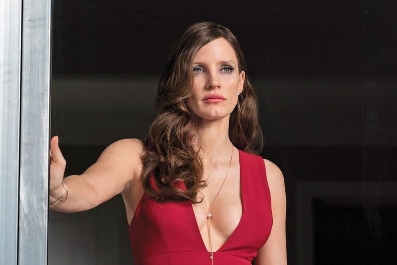 堅毅固執又性感,有所為有所不為的《決勝女王》撲克女王角色,讓潔西卡雀斯坦三度入圍金球獎。