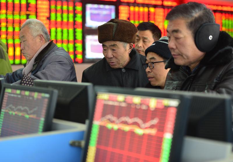 目前中國A股位階與歷史新高雖有40%的距離,但產業隨政策輪流發酵,買個股賺錢不容易。(東方IC)
