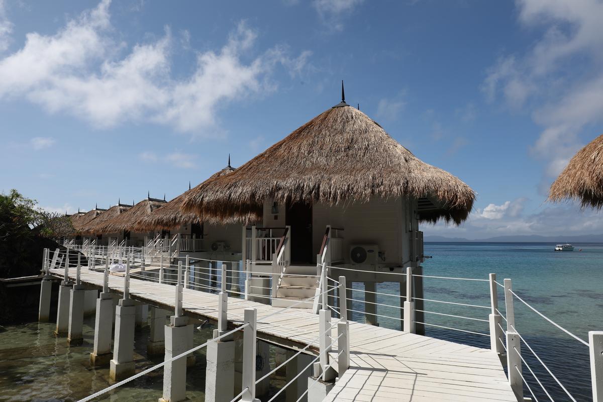 房間全都是可以直接眺望大海的水上屋。
