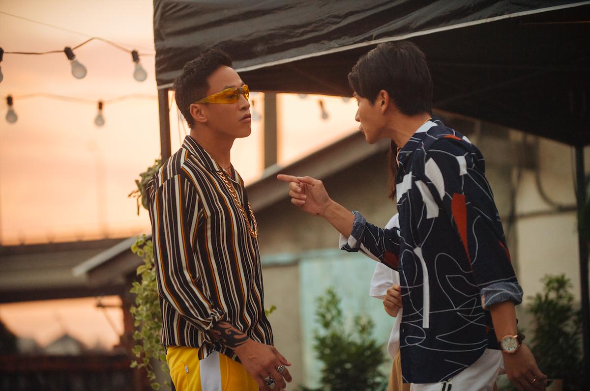何潤東(左)客串參與《花甲》電影,劇中飾演劉冠廷(右)的情敵。(氧氣電影提供)