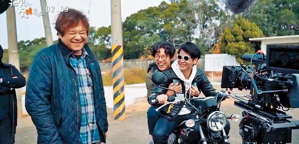 瞿友寧(左起)執導《花甲》,與盧廣仲、劉冠廷等演員們激盪出許多火花,讓片中橋段更加豐富自然。(翻攝自《花甲》臉書)