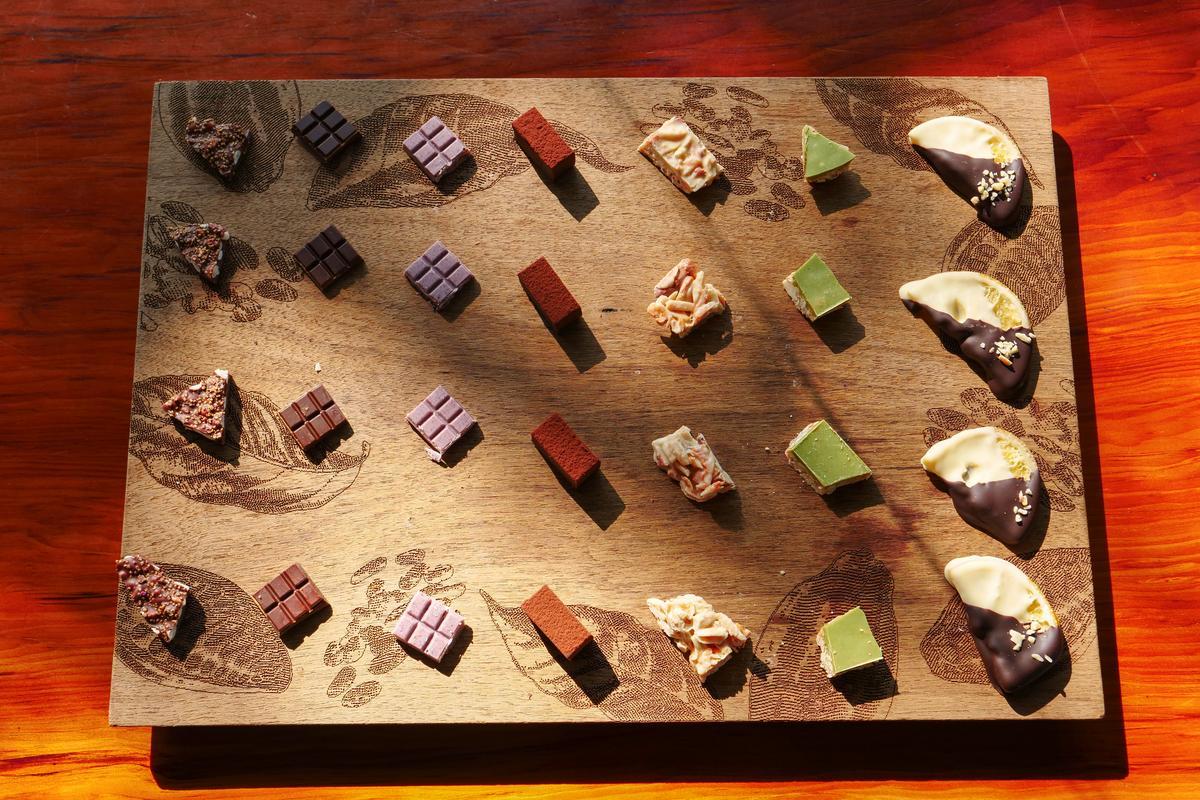 福灣與許多屏東可可農攜手,研發出一方風土一方風味的台灣味巧克力,也是合適送給外國人的台灣伴手禮。