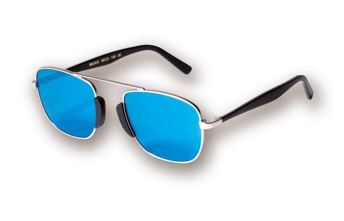 L.G.R Negus 金屬方框藍色鏡片墨鏡,NT$15,000。