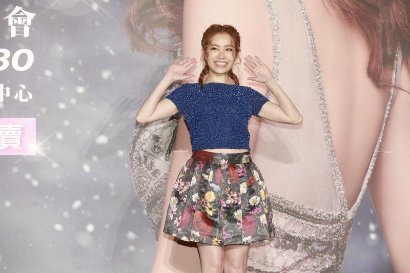 徐懷鈺宣佈將舉辦出道20年的個人演唱會,39歲的她舉手投足仍有當年的偶像架勢。