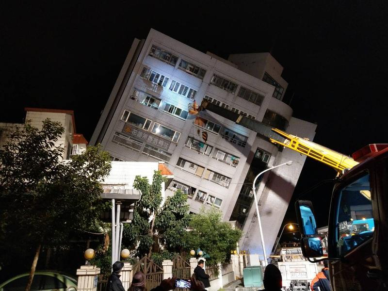 花蓮縣6日晚間發生芮氏規模6.0強震,目前釀成2死214人傷。(網友提供)