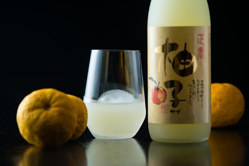 「老實洋行」代理進口超過20款,以日本九州水果製成的果實酒。