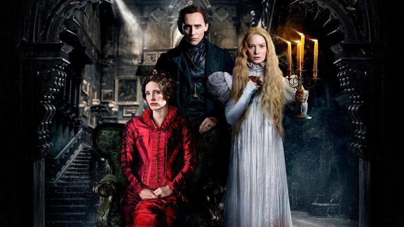 《腥紅山莊》是一部陰暗的哥德式羅曼史電影,由潔西卡雀絲坦(左起)、湯姆希德斯頓和蜜雅娃絲柯思卡主演。(翻攝自chinese.fansshare.com)