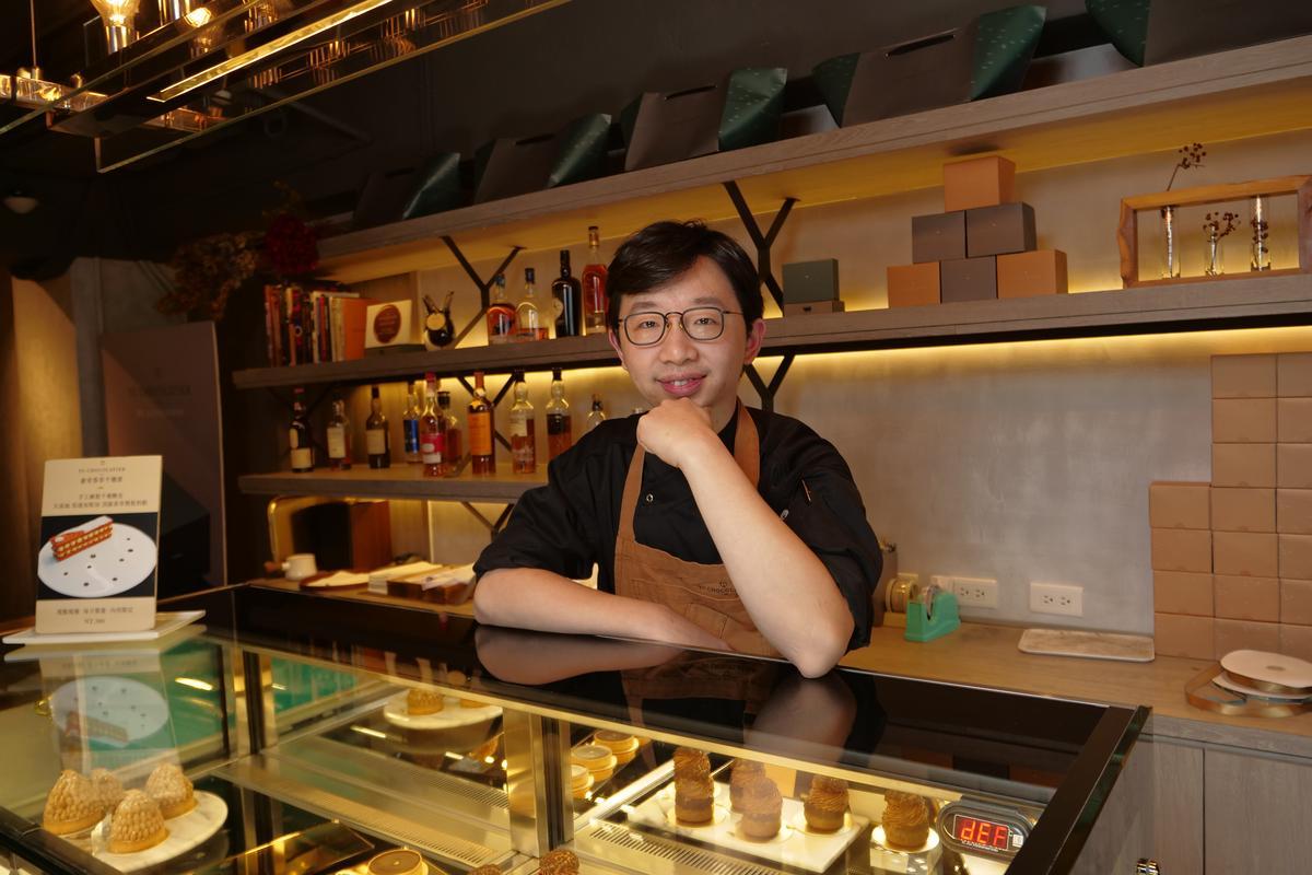 「畬室」創辦人暨主廚鄭畬軒形容,巧克力師才不是浪漫的詩人,而是像香水調香師能駕馭食材氣味。