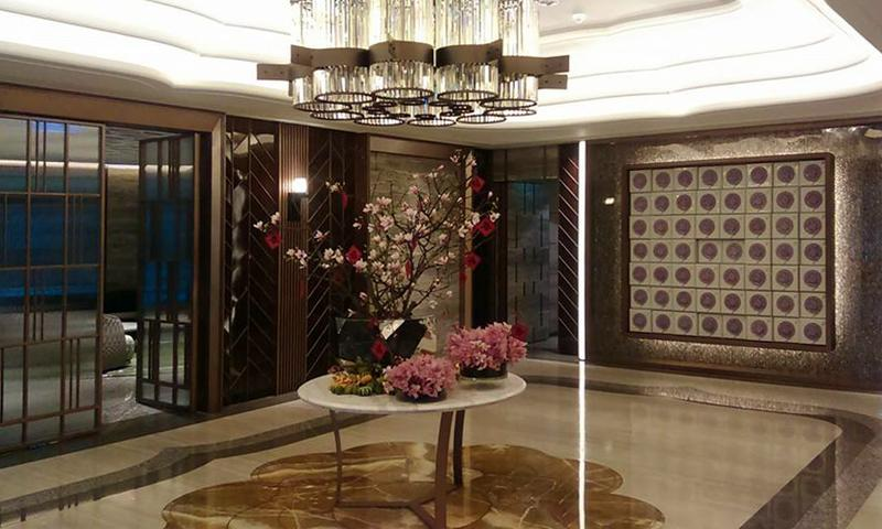 德杰Flora1樓大廳相當典雅,全案採豪宅規格打造。(讀者提供)