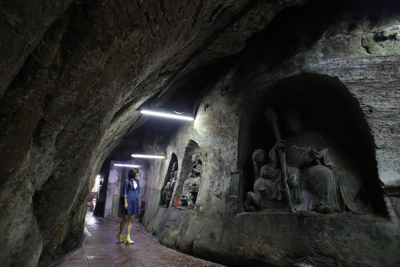 「仙洞巖」曾名列基隆8景之一,洞窟寺廟有如台版敦煌石窟。