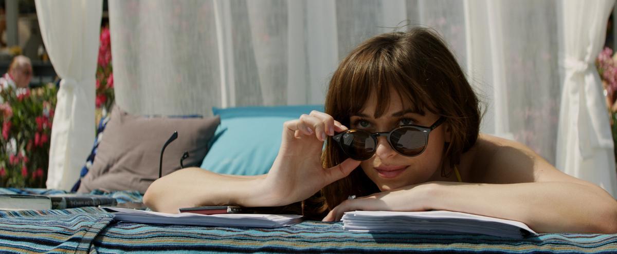 《格雷的五十道陰影:自由》搶攻情人節檔期,以5300萬成績暫居賀歲檔第4名。(UIP提供)