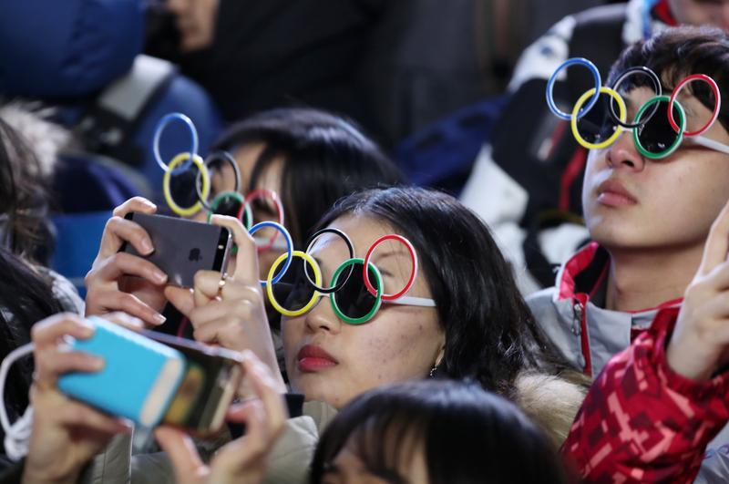 平昌冬運開幕儀式,部分觀眾不得其門而入,疑為網路駭客攻擊所造成。(東方IC)