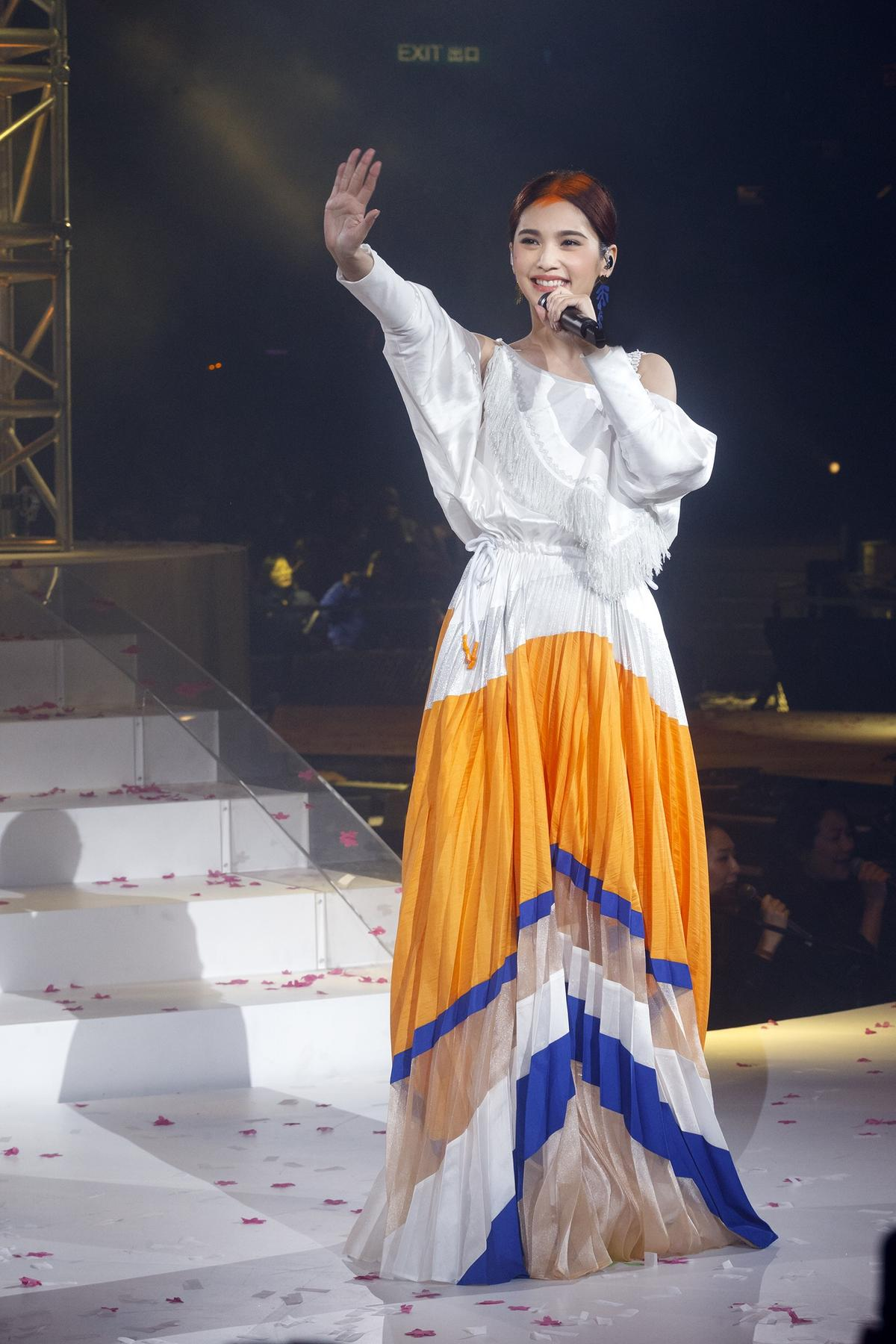 結束香港場演唱會,楊丞琳期許2018年能夠月月開演唱會。(太陽娛樂提供)