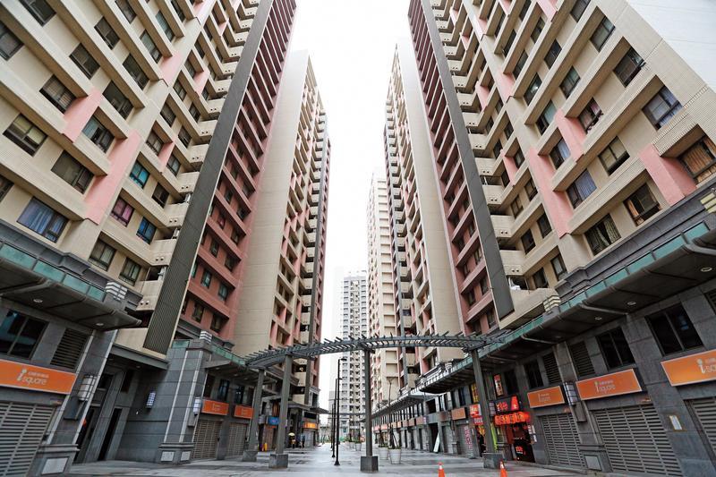 浮洲合宜宅理應在2015年就完工交屋,卻因施工品質等問題延宕至今。