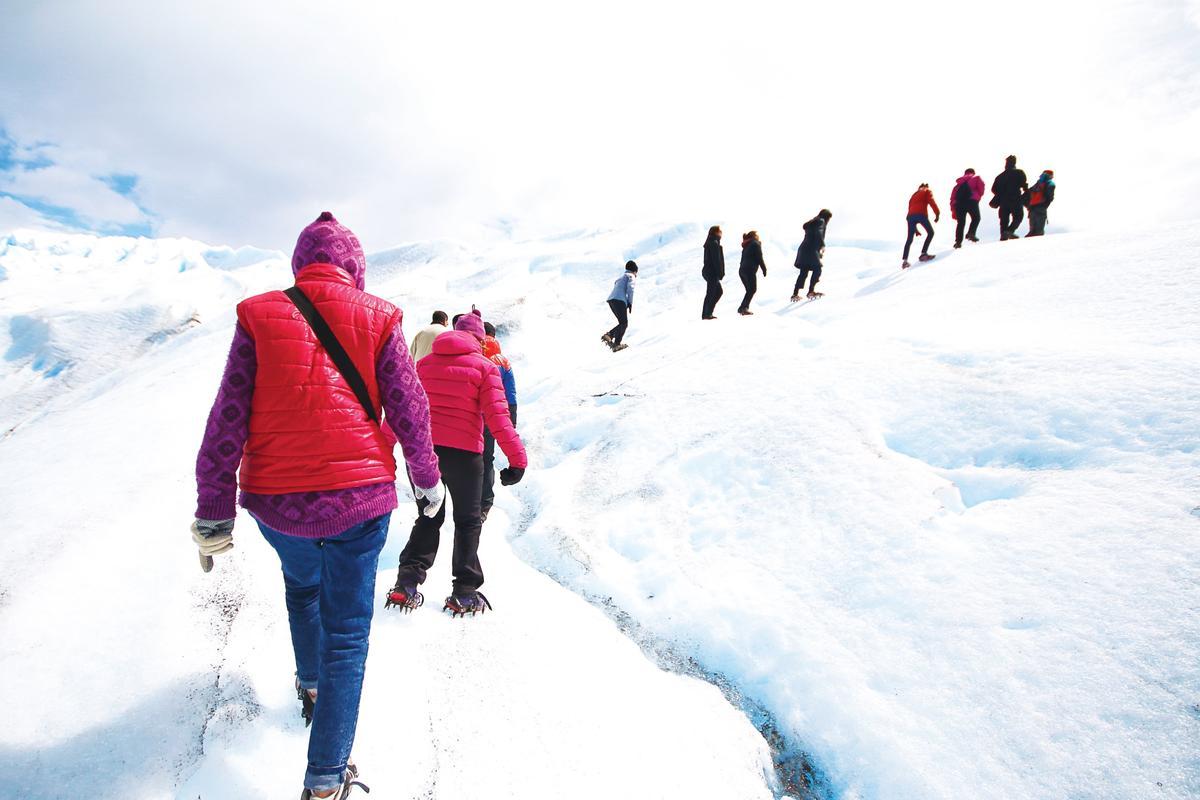 環遊世界,是對體能的重大考驗,在旅程中,年過60的韓東益勇於嘗新,對任何行程,幾乎都來者不拒。(EZ叢書館提供)