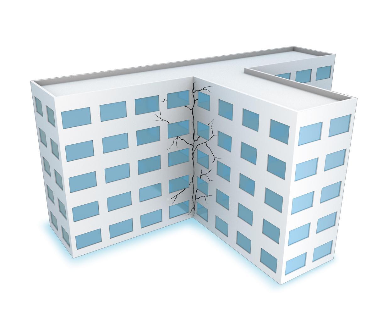 挑選房屋時,避免外型特殊如大L、大U、大T等建築,以及梁柱間出現45度角交叉裂縫。