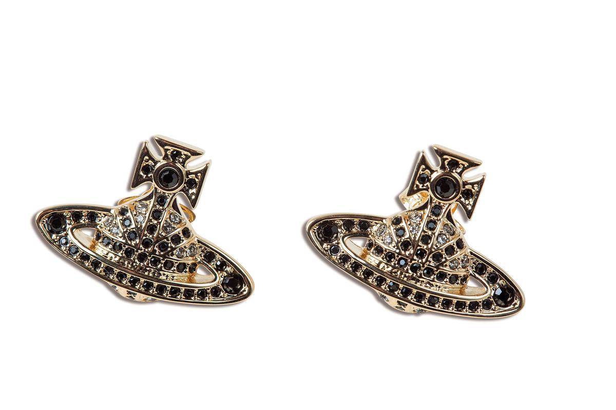 Vivienne Westwood logo耳環,NT$4,800。