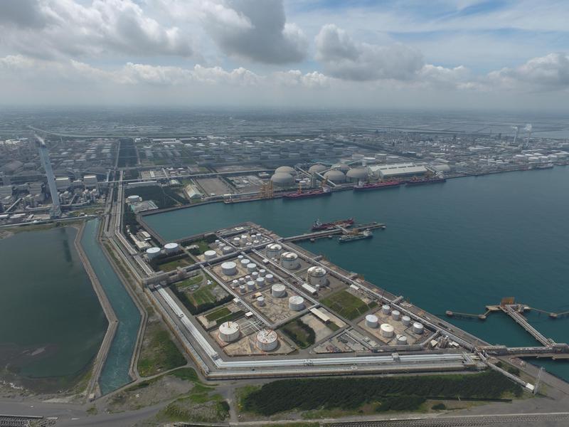 麥寮六輕是台塑在台最大生產基地,多年來投注改善空氣、海洋環保,打造麥寮港為生態港。(台塑提供)