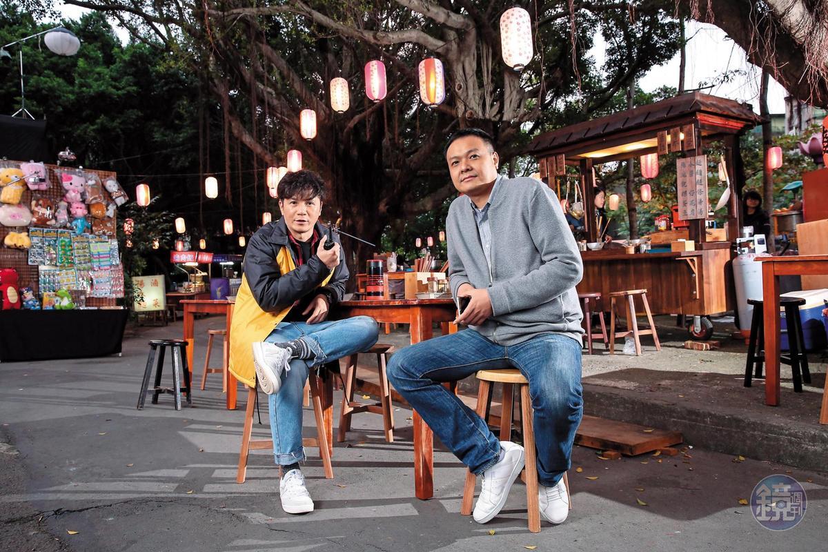 電視劇《麻辣鮮師》製片陳榮謙(右)為開拍電影版《王牌教師麻辣出擊》,苦等導演張哲書的檔期。