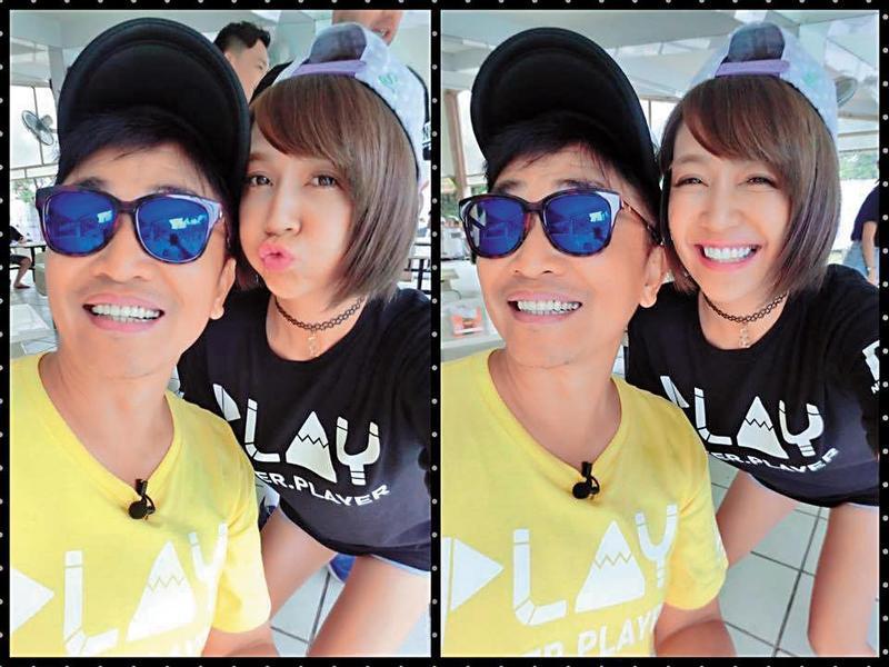 安苡愛(右)在個人臉書上,經常po出和吳宗憲出外景的玩樂合照。(翻攝自安苡愛臉書)