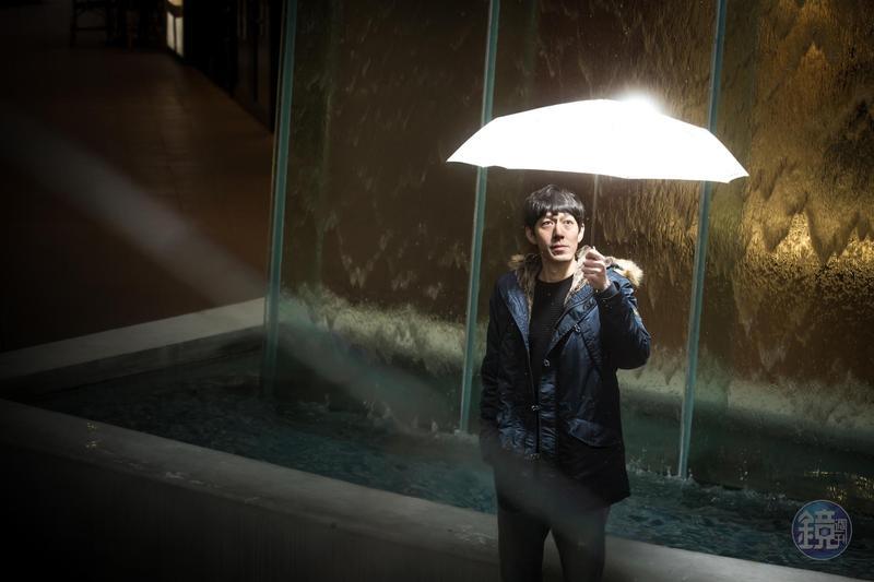 在金融海嘯付出百萬學費的陳喬泓,靠著自學苦讀,找到發掘翻倍成長股的心法,短短6年反手從股市獲利超過千萬元。