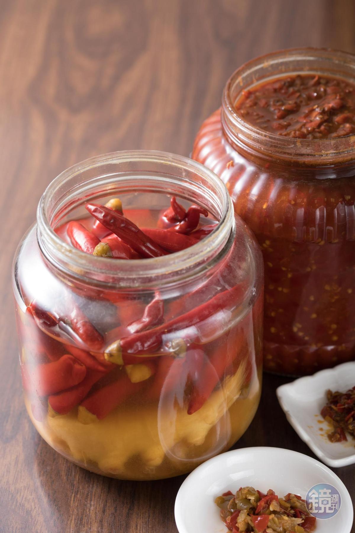 曹佑淇自己發酵各種泡椒與辣醬,作為調味的層次。