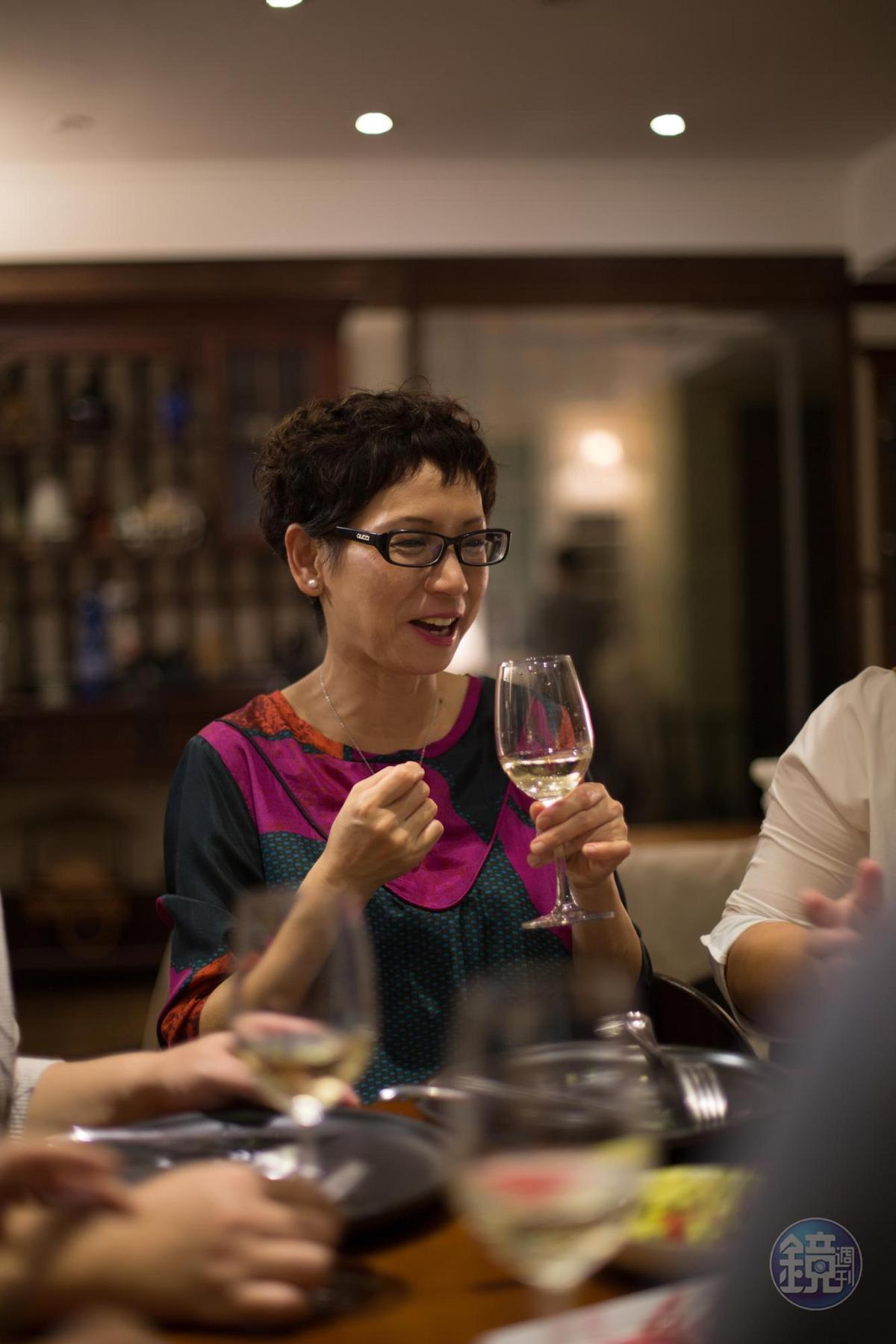 也很擅長料理的作家蔡珠兒,形容Dana的料理溫婉細緻。
