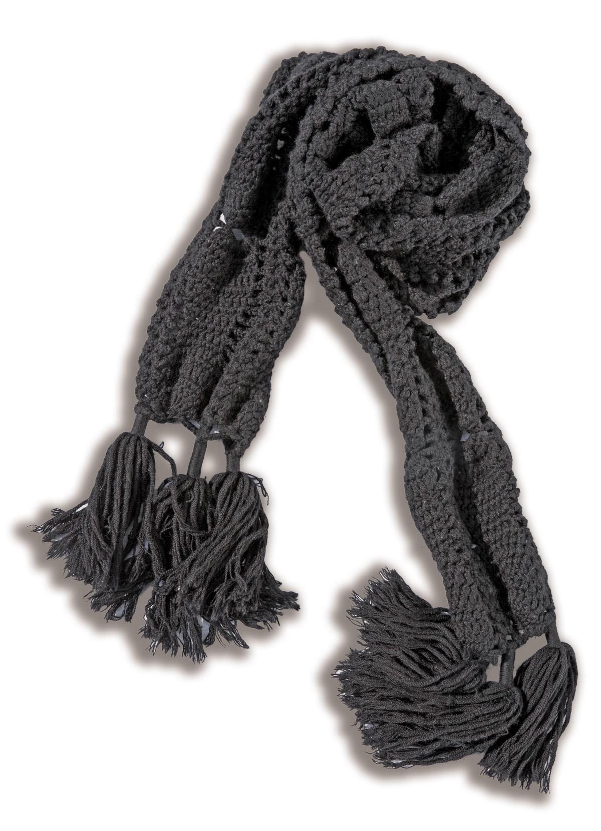 A/X圍巾,約NT$6,000。