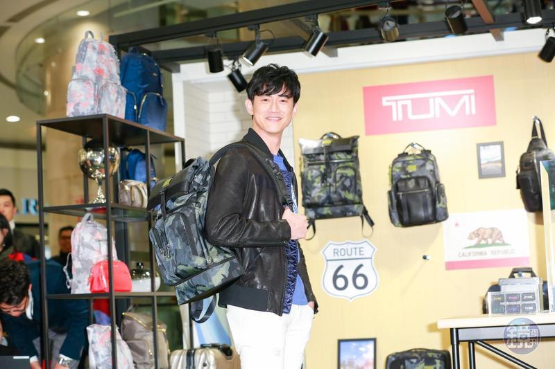 吳慷仁以一頭新剪的髮型現身時尚精品TUMI新品發表會。