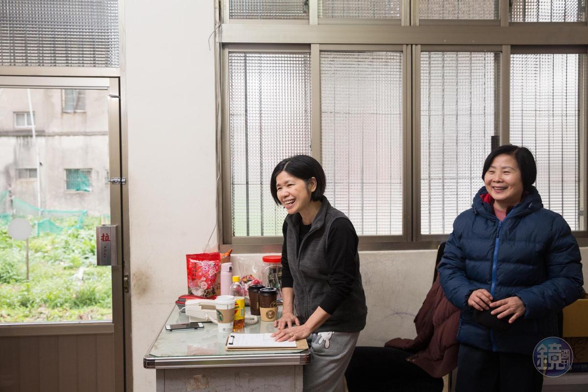 楊昭鑾(左)與嫂嫂陳素卿(右)從年輕時感情就很好,會共享彼此的衣櫃。