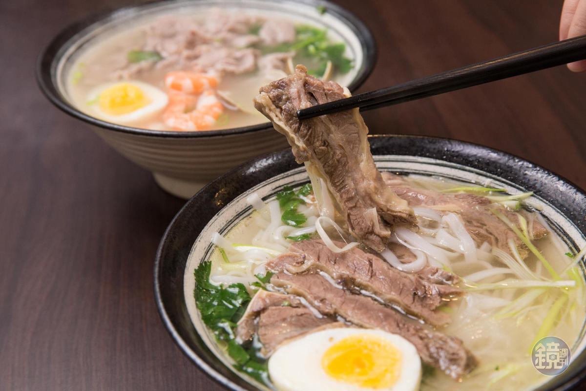 採北越做法的清燉牛肉河粉,牛肉有嚼勁不乾柴。(150元/碗)