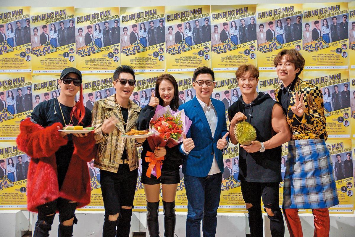 李光洙(右一)在《RM》節目中是喜感爆表的諧星,但實際上很照顧「姐姐」宋智孝及女來賓。
