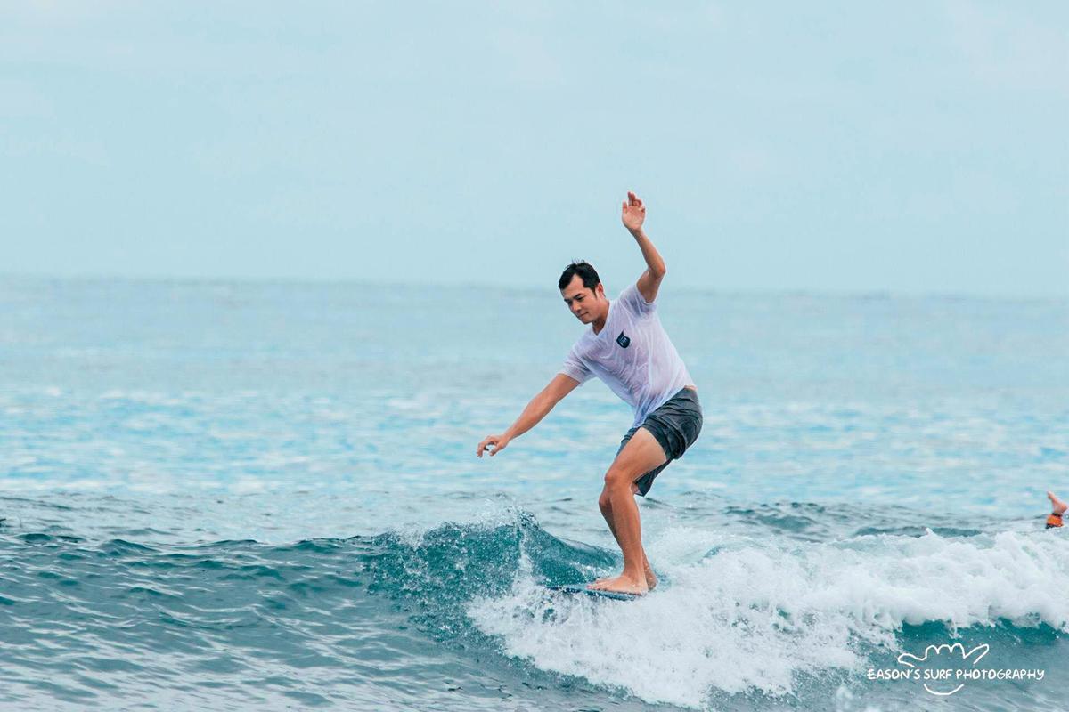 姚元浩愛好衝浪,經常往戶外跑。(翻攝自姚元浩臉書)