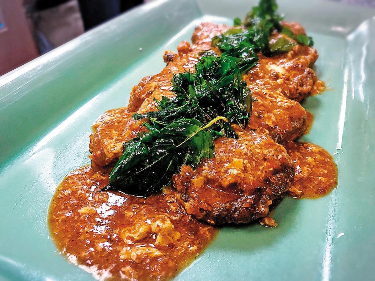 當天升等的菜色「主廚特製麻辣鮑魚」,用頂級的二左衛門來搭配,依然精彩。