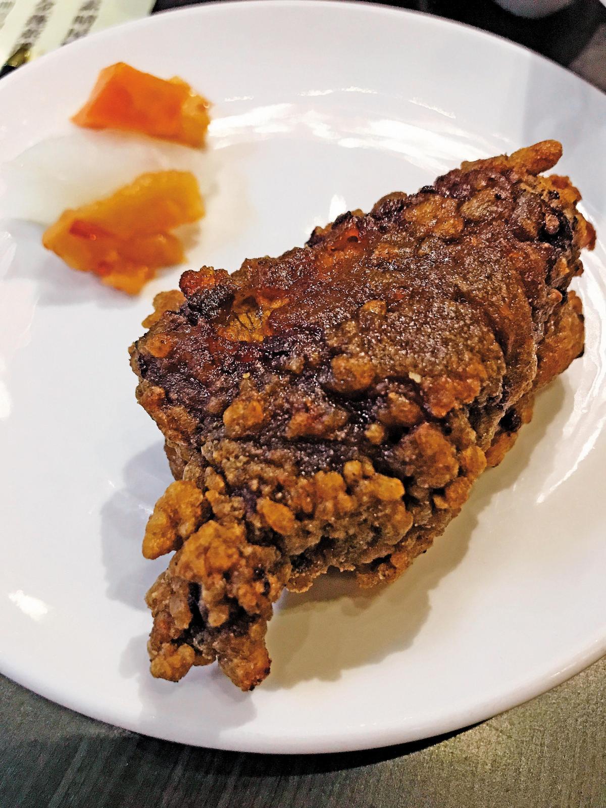 金蓬萊的「蓬萊排骨酥」是招牌菜,肉質Q彈、爽口不膩,不可錯過。